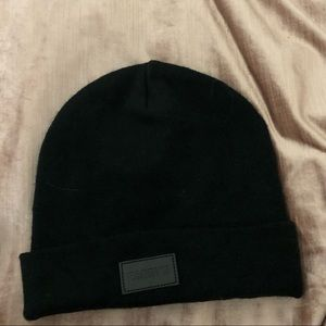 BNWOT Barrys boot camp cashmere hat